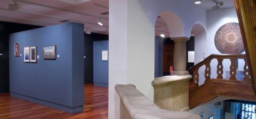 """Inauguración exposición """"Artistas con el museo""""."""