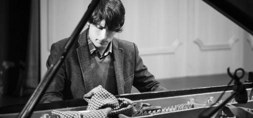 S. 9 abr // Juan Barahona, recital de piano